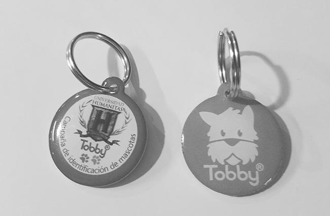 placa-tobbyid-frente-con-logo-humanitas